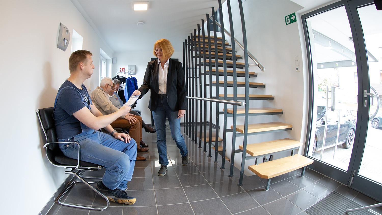 Wartebereich unten Angstpatienten Oralchirurgie Dr Rütters Praxis für Zahn-, Mund- und Kieferheilkunde in Hachenburg